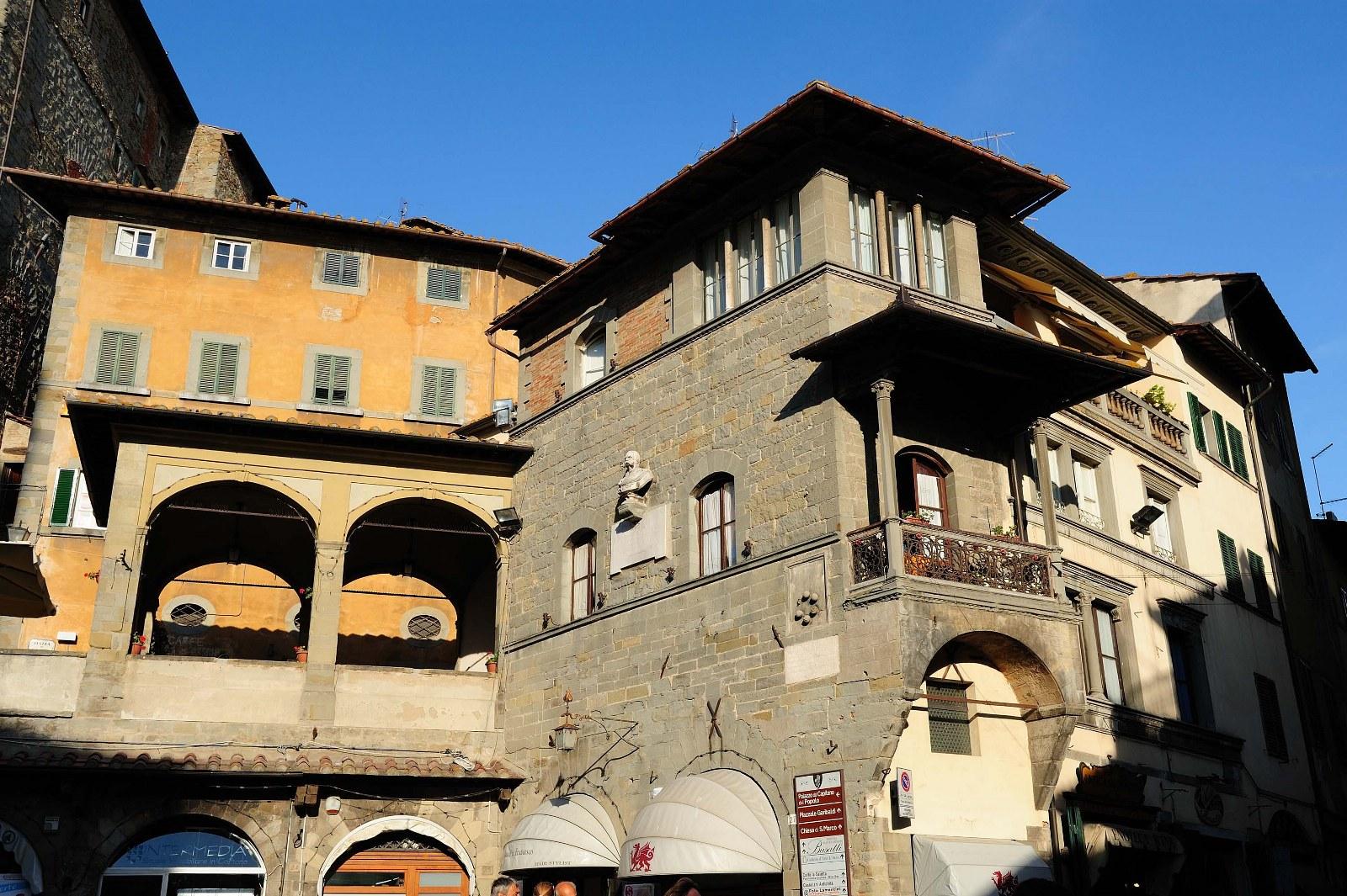 Esplora Cortona con le nostre visite guidate personalizzate realizzate dalle nostre guide turistiche abilitate